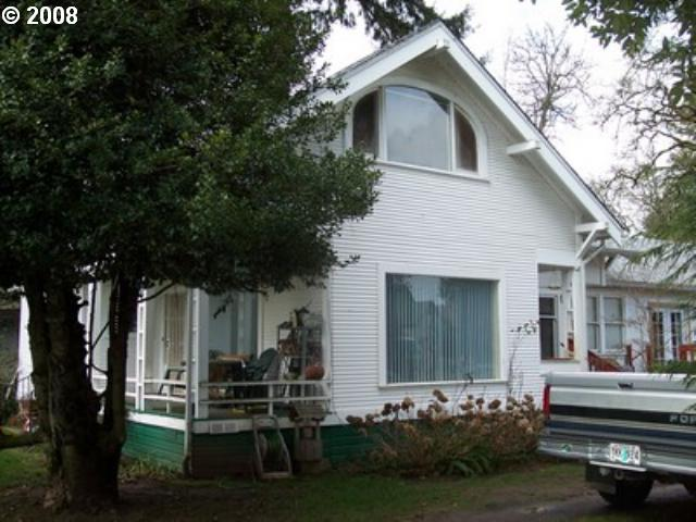 202  ADAMS Cottage Grove, OR 97424