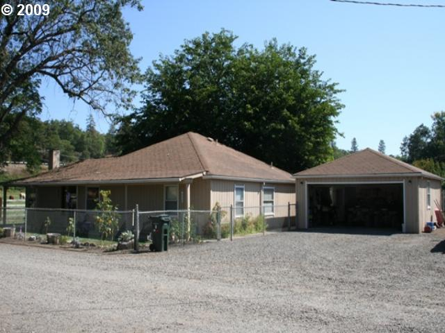 11100 HWY 140, Eagle Point, OR 97524