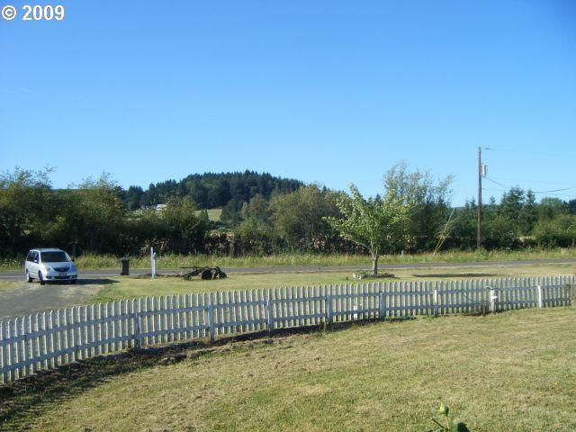 26355 HALL RD, Junction City, OR 97448