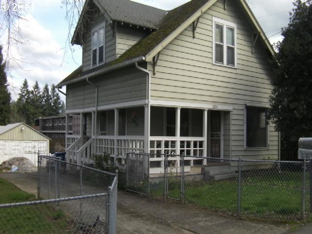 Milwaukie OR Home for Sale built 1905