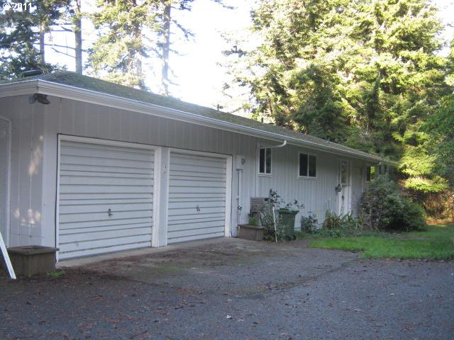 2424 sq. ft 4 bedrooms 3 bathrooms  House For Sale, North Bend, OR