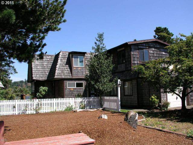 2124 sq. ft 2 bedrooms 1 bathrooms  House For Sale, Gleneden Beach, OR