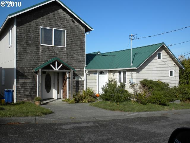Gold Beach OR Home for Sale built 1996