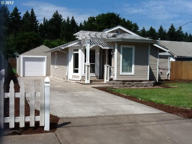 $159,900<br>5317 SE BYBEE, Portland OR 97206<br>2 Beds, 1 Baths, 818 Sqft<br>