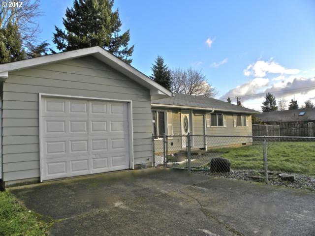 SOLD: $130,000<br>8441 SE 62ND, Portland OR 97206<br>3 Beds, 2 Baths, 1,329 Sqft<br>