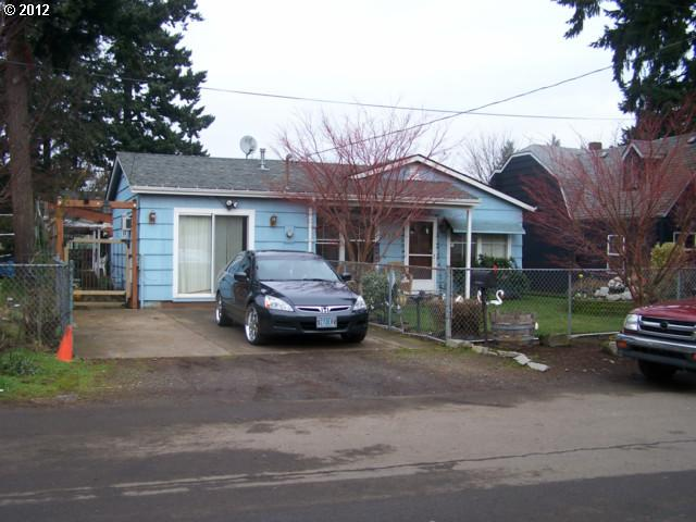 SOLD: $110,000<br>6135 SE MALDEN, Portland OR 97206<br>3 Beds, 1 Baths, 888 Sqft<br>
