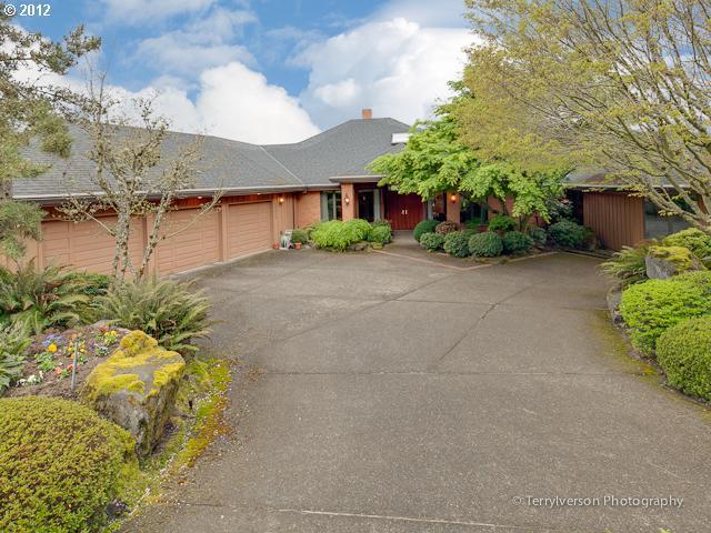 15615 SW ROSHAK RD, Portland, OR 97224