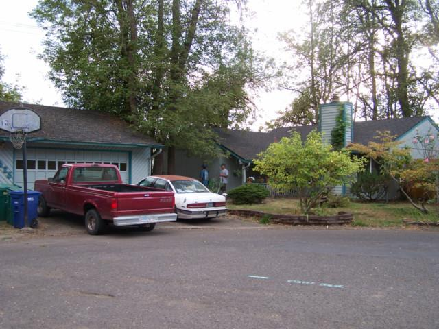 Milwaukie OR Home for Sale built 1976
