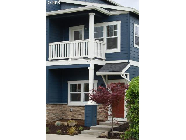 $269,000<br>527 N COOK, Portland OR 97227<br>2 Beds, 2 Baths, 1,050 Sqft<br>