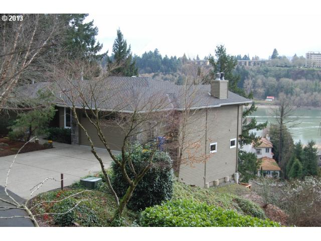 Lake Oswego OR Home for Sale built 1999