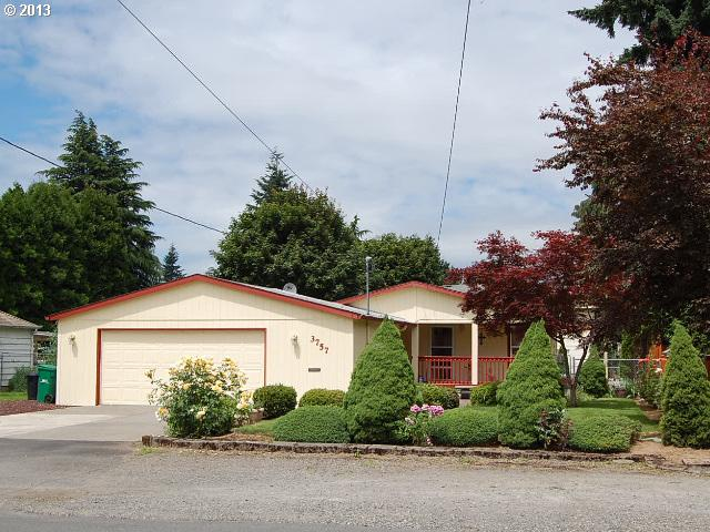 Milwaukie OR Home for Sale built 1997