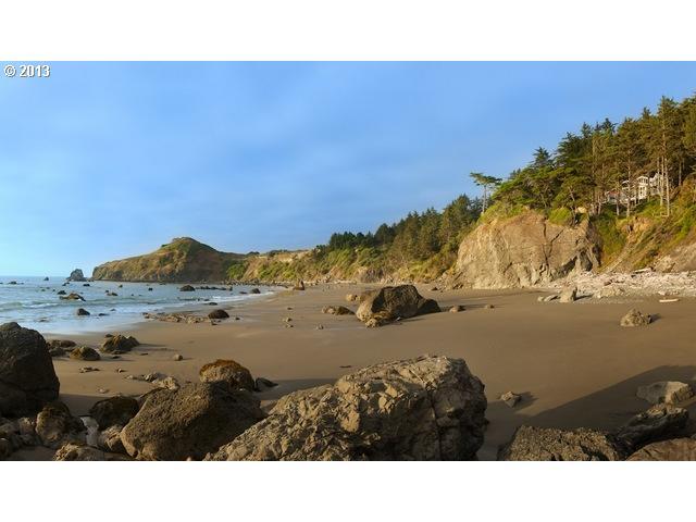 31810 CHANTRELLE LN, GOLD BEACH, OR 97444  Photo 2