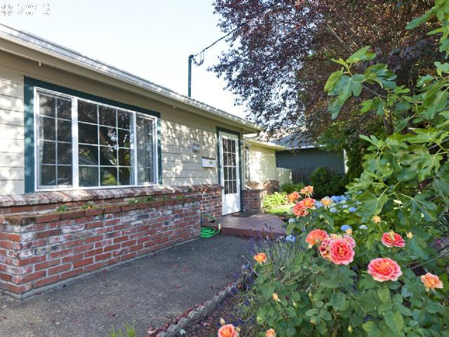 $275,000<br>7007 SE 69TH, Portland OR 97206<br>3 Beds, 2 Baths, 1,920 Sqft<br>
