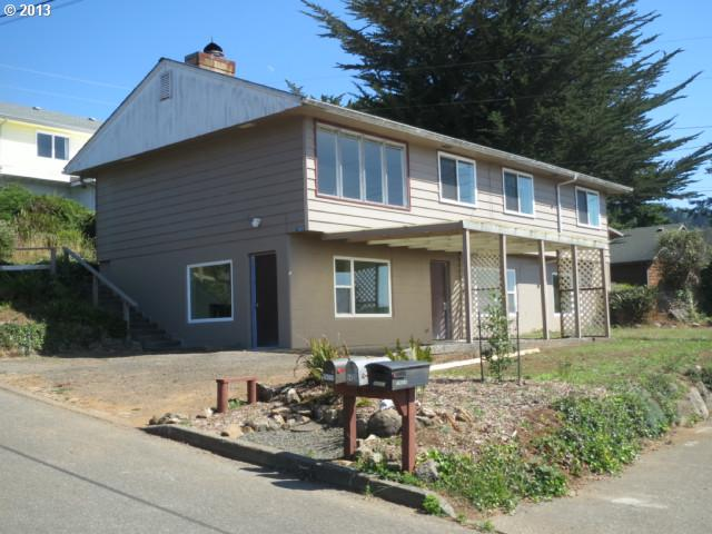 Gold Beach OR Home for Sale built 1954