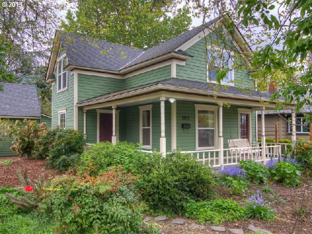 Newberg OR Home for Sale built 1906