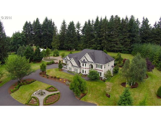Gorgeous, private 5 acre mini-estate located in the desirable Hockinson School district.