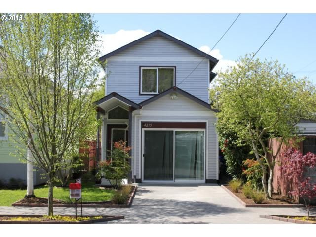 $349,500<br>4215 NE CLEVELAND, Portland OR 97211<br>4 Beds, 3 Baths, 1,602 Sqft<br>