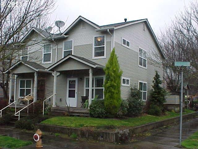 $239,900<br>607 N FARGO, Portland OR 97227<br>3 Beds, 2 Baths, 1,058 Sqft<br>