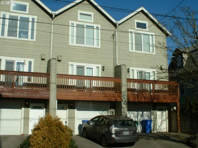 $282,000<br>435 NE COOK, Portland OR 97212<br>2 Beds, 3 Baths, 1,611 Sqft<br>
