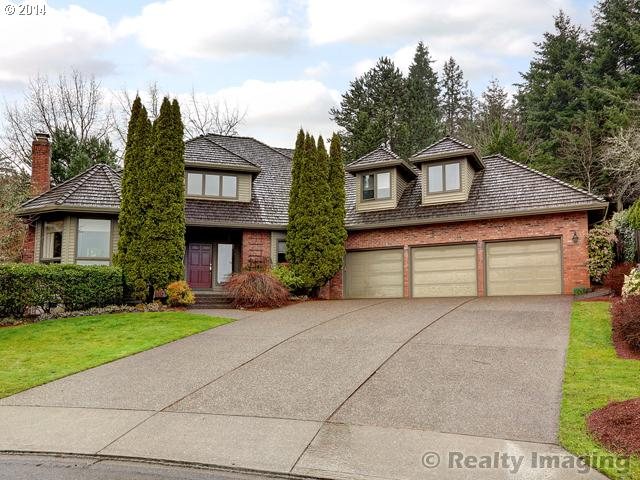 19067  MEGAN, Lake Oswego OR 97034