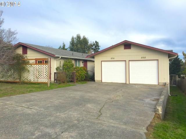 2751 MYRTLE, North Bend OR 97459