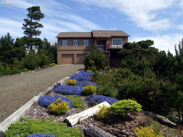 88165 RHODODENDRON DR, Florence, OR 97439