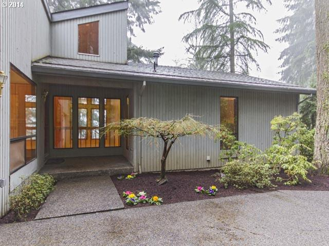 4 CAMELOT, Lake Oswego OR 97034