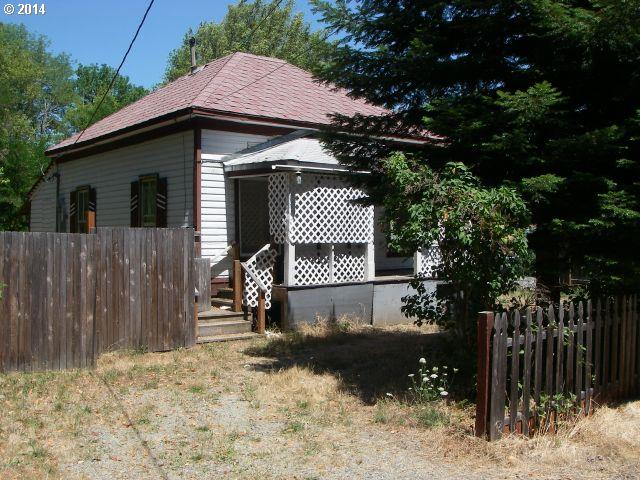 Photo of 815 NE SHORT ST,  Myrtle Creek, OR, 97457