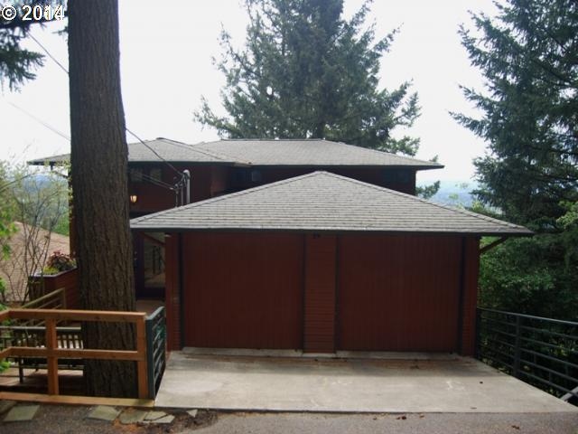 4037 SW CHESAPEAK, Portland OR 97239