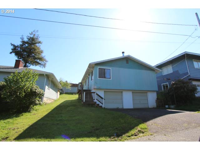 329 BORDER ST, Myrtle Point, OR 97458