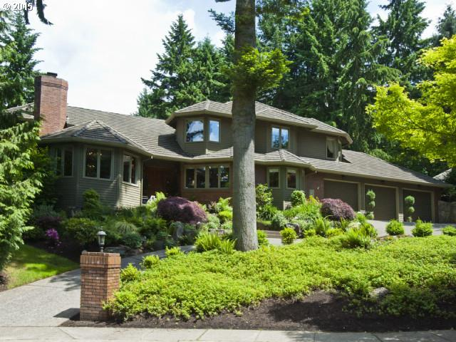 Private Swim & Boat Easement. Lovely family home is spacious, bright and beautiful. Luxurious and large master with fireplace, Jacuzzi tub, steam room and HUGE closet. Kids wing has media/4th bedroom. Great Pub/Wine room & wet bar. Gourmet kitchen w/ gas cook island, granite counters, stainless appliances, hardwood floors. Gorgeous pool-spa and outdoor living room + upper yard for garden or playing. Home Warranty provided.