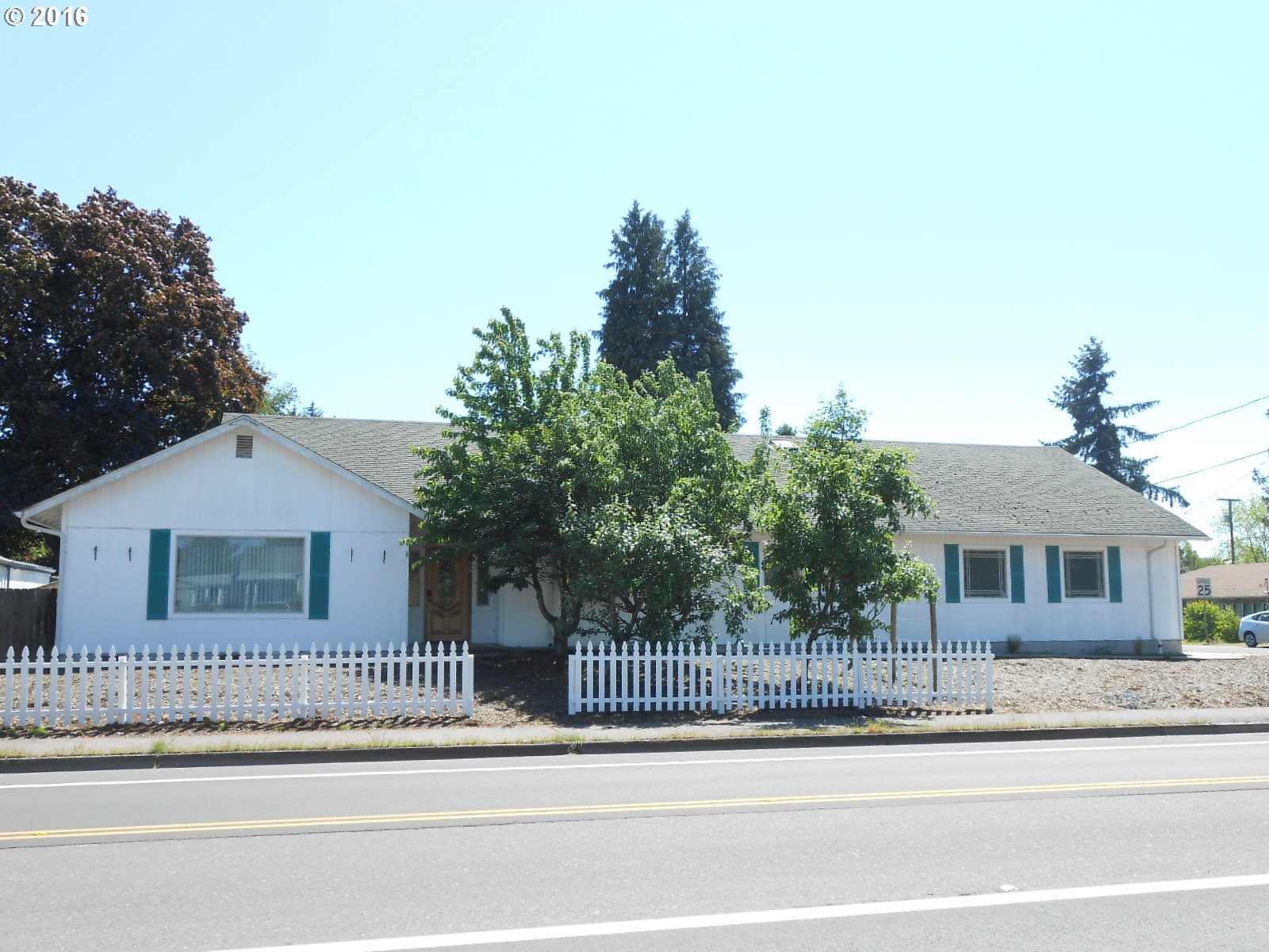 98 MAXWELL RD, Eugene OR 97404