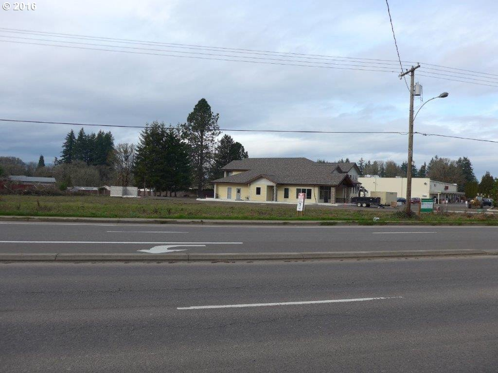 1755 SW BAKER ST, McMinnville, OR 97128