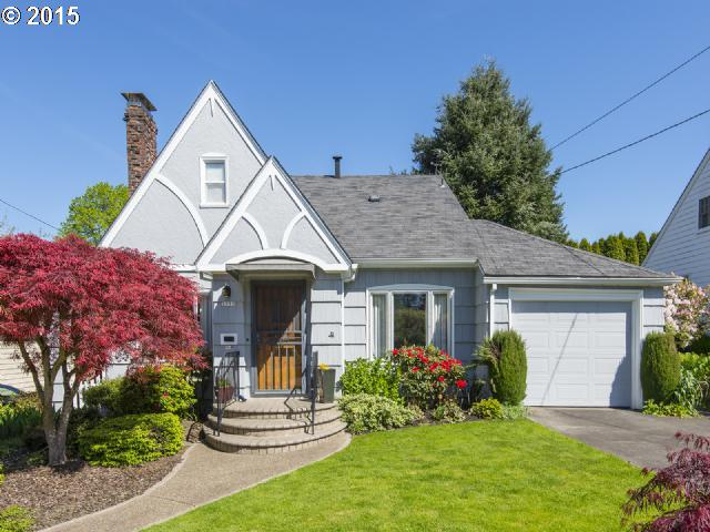 3733 SE TOLMAN ST, Portland OR 97202