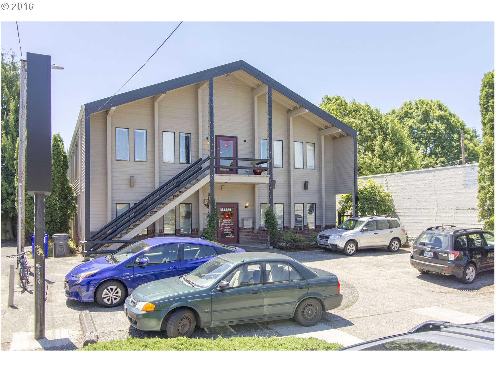 4424 NE GLISAN ST, Portland, OR 97213