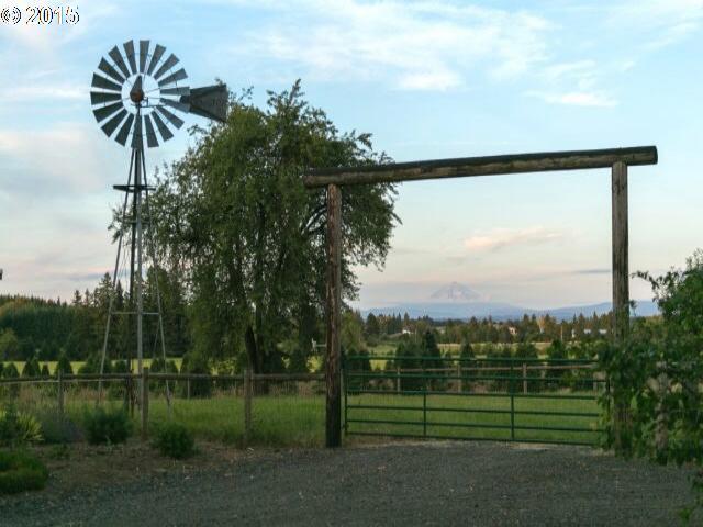 16430 S SPRINGWATER RD, Oregon City OR 97045