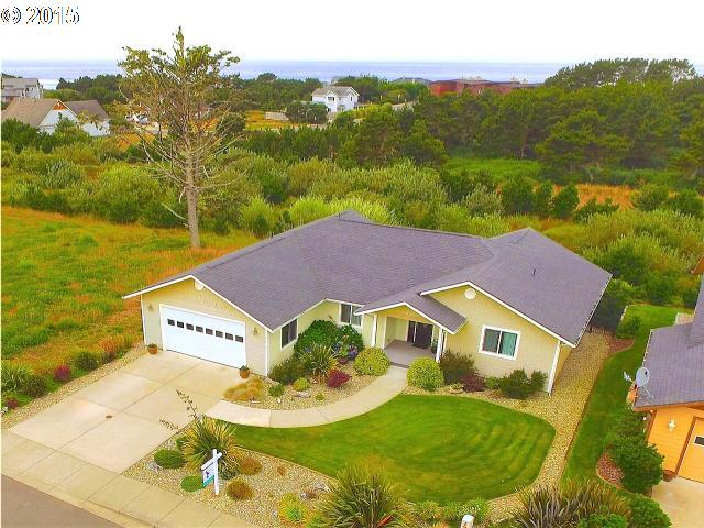 2651 LINCOLN AVE, Bandon OR 97411