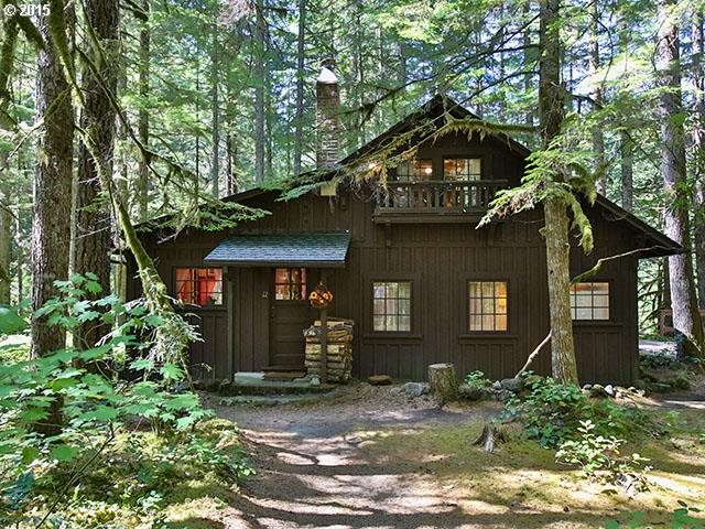 75085 E ROAD 28A, Rhododendron, OR 97049