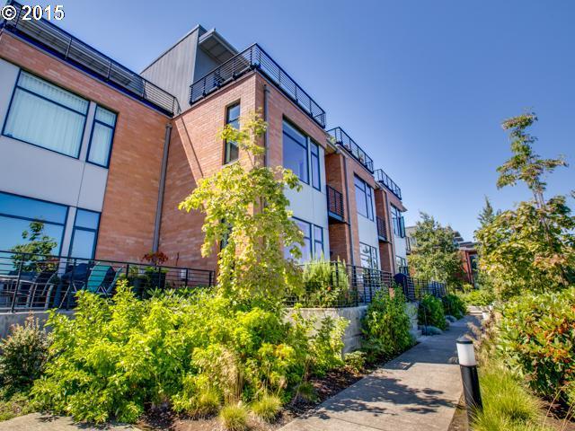 1678 NW RIVERSCAPE ST, Portland OR 97209