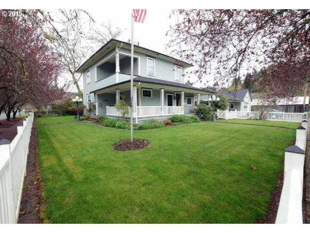 1010 BIRCH AVE, Cottage Grove OR 97424