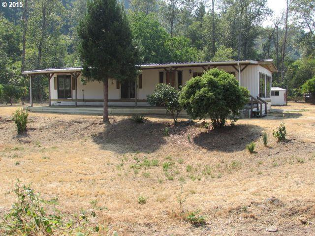 Photo of 754 S MAIN ST,  Canyonville, OR, 97417
