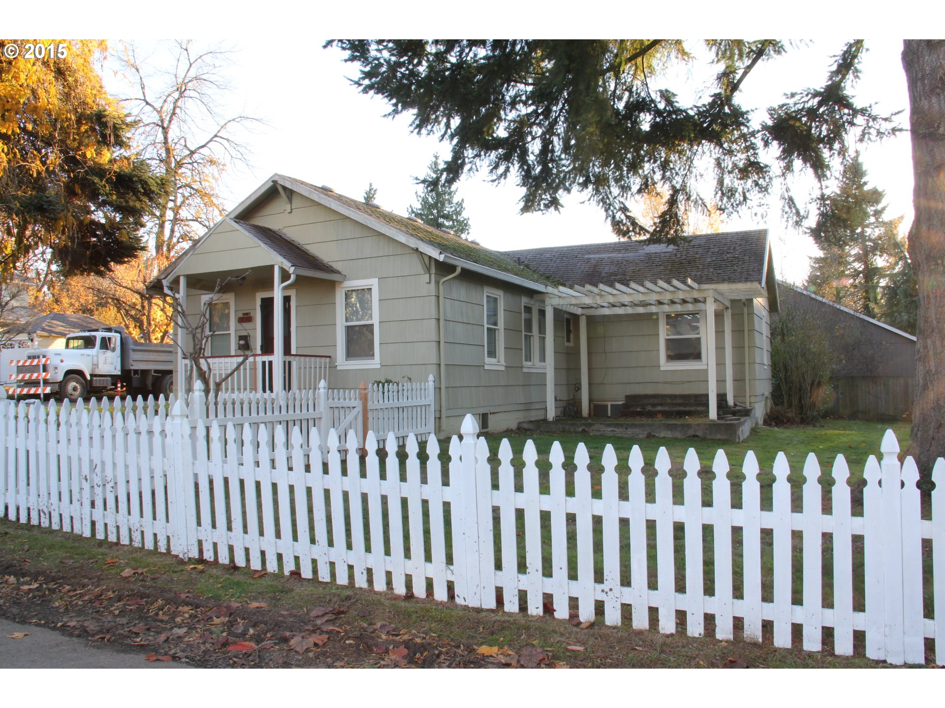 1820 14TH ST, Oregon City OR 97045