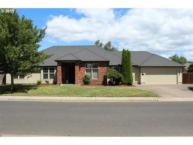 824 RIVER KNOLL WAY, Springfield OR 97477