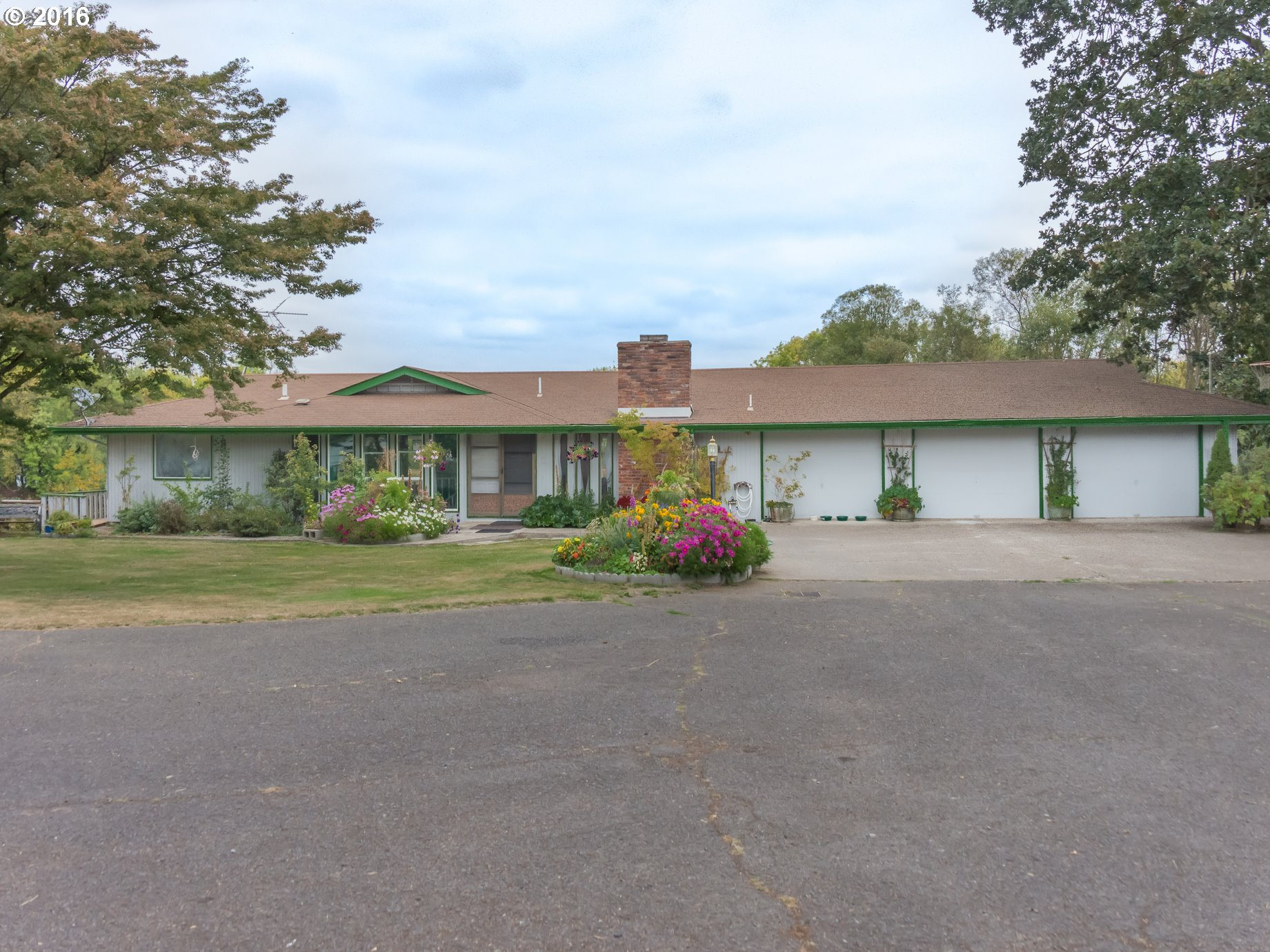 90161 LAKEVIEW DR, Eugene OR 97402