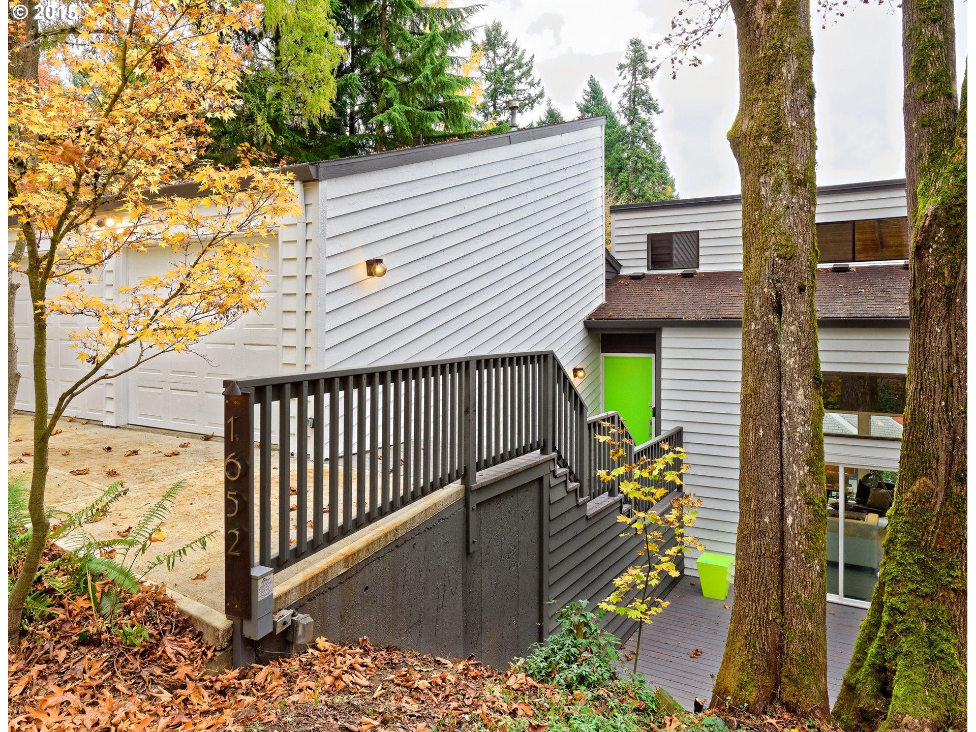 1652 SW DAVENPORT ST, Portland OR 97201