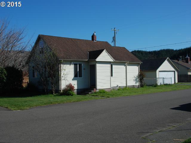 305 S 21ST ST, Reedsport OR 97467