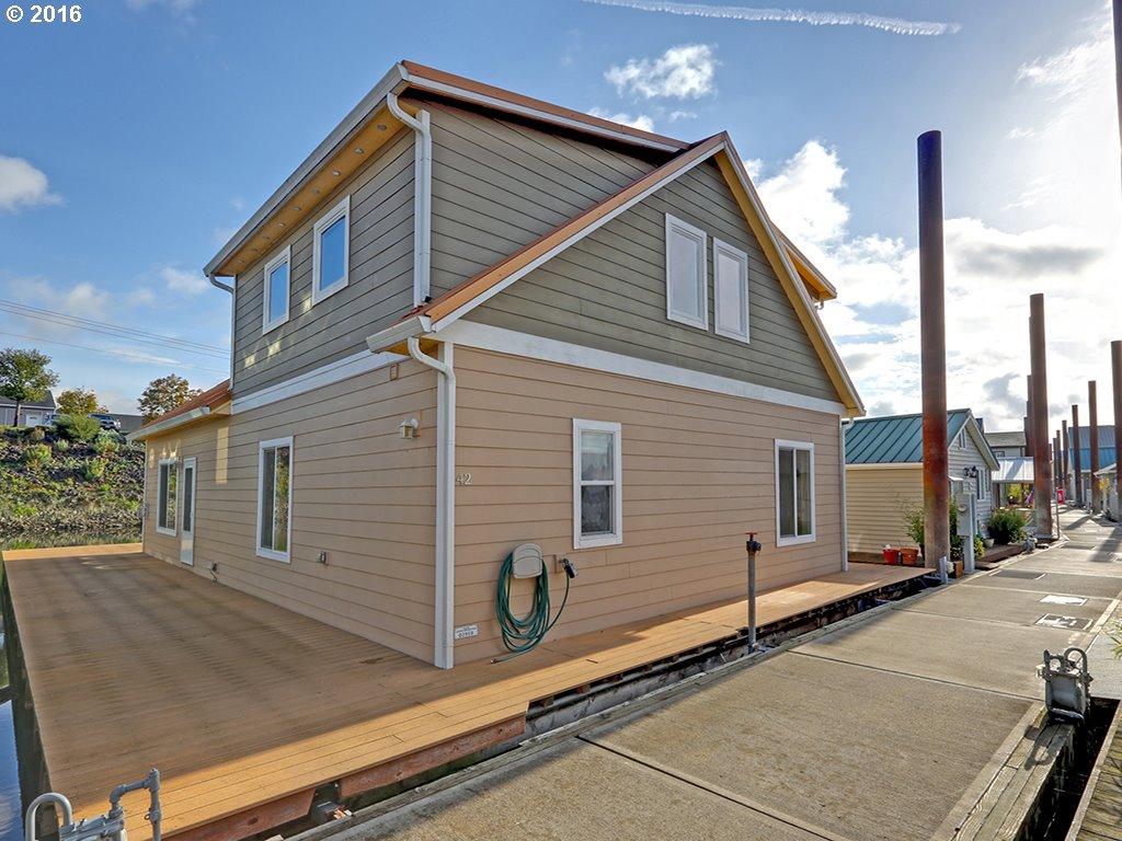 2630 N Hayden Island DR 42, Portland, OR 97217