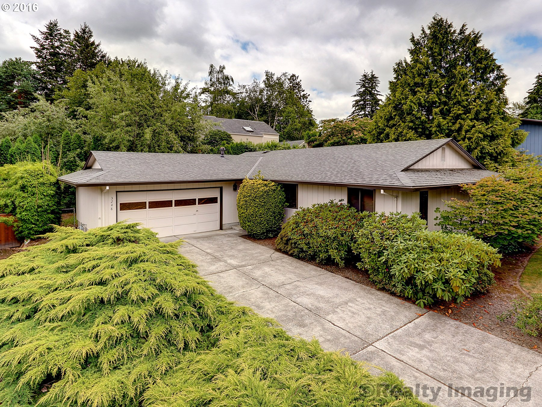 $350,000 - 3Br/2Ba -  for Sale in Indian Hills, Portland