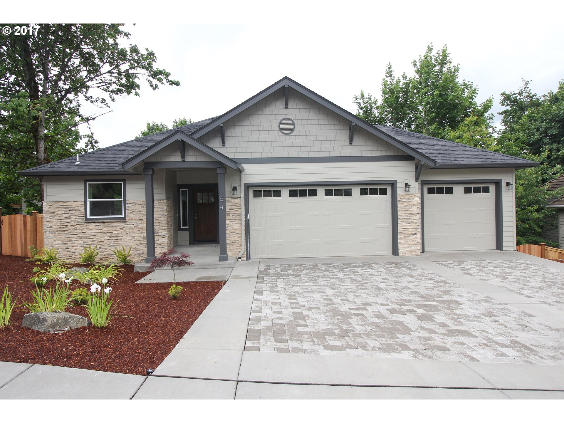 474 MOUNTAINGATE DR, Springfield, OR 97478