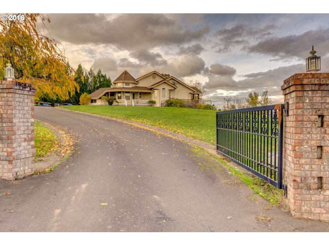 11710 SW FOX RIDGE RD, McMinnville, OR 97128